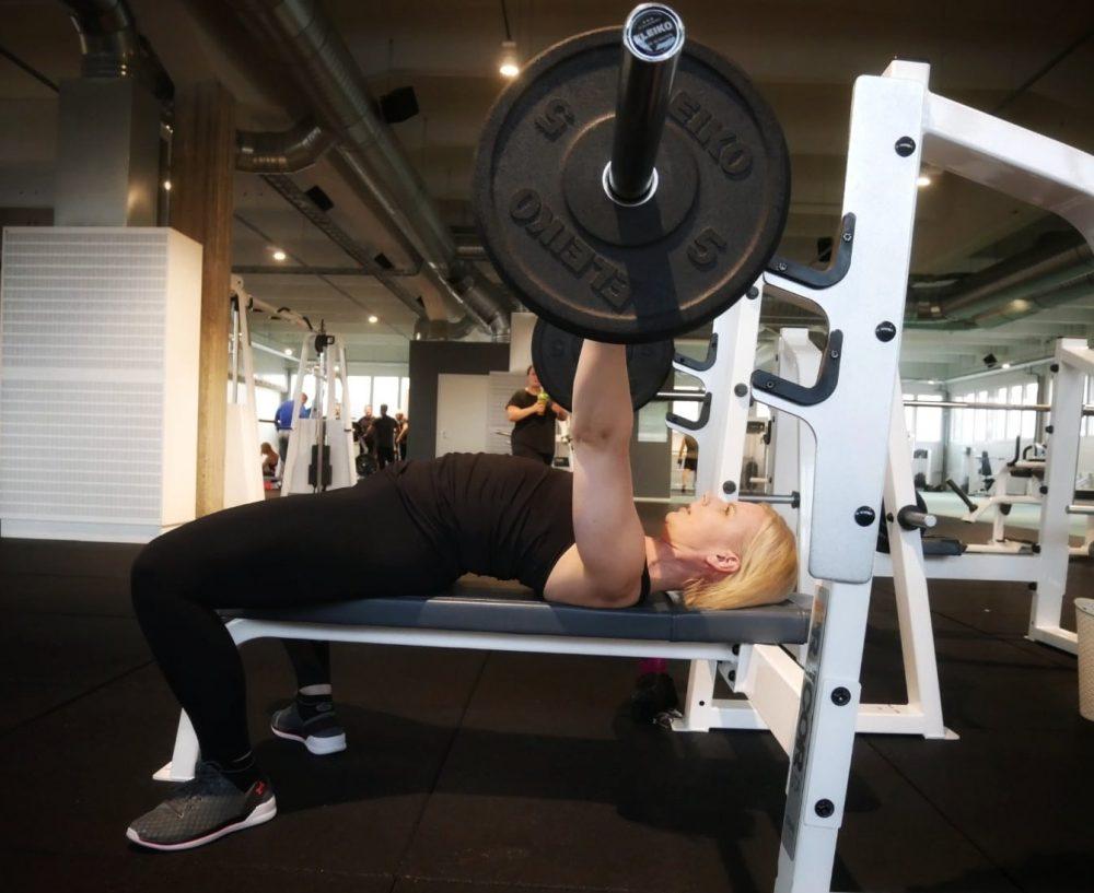 Tyossakayva-perheenaiti-pudotti-8kg-painoa-ja-sai-lisaa-voimaa-ja-lihasmassaa
